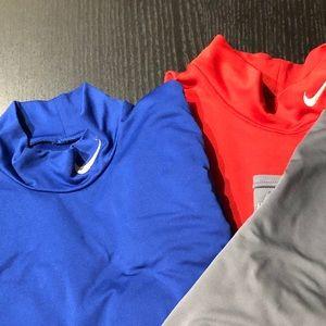 NIKE Thermal Fleece Medium Shirt S Sweater